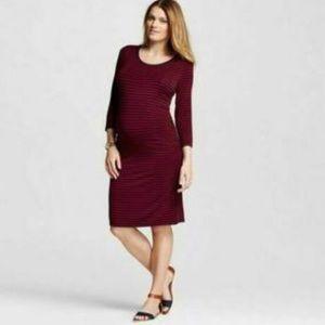 Liz Lange • Knit 3/4 Sleeve Maternity Dress
